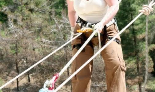 Пострадавшую в КБР петербургскую альпинистку везут в больницу