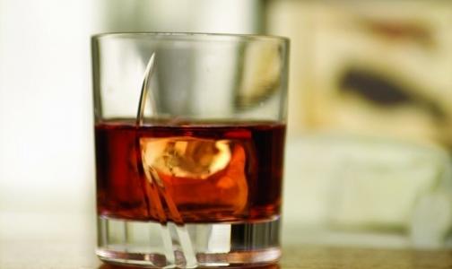 Если много работать, можно стать алкоголиком