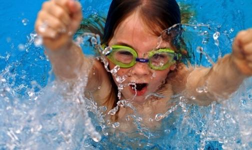 С 1 января в петербургских школах введут уроки плавания
