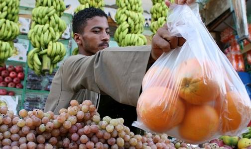 Минздрав запретит иностранцам работать в розничной торговле