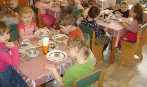 Расскажите, как кормят ваших детей, прокуратуре: 318-27-03