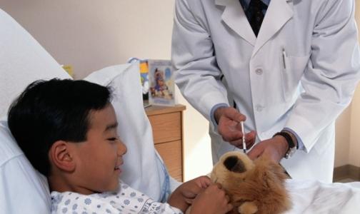 Минздрав пообещал за год найти в детских больницах места для родителей