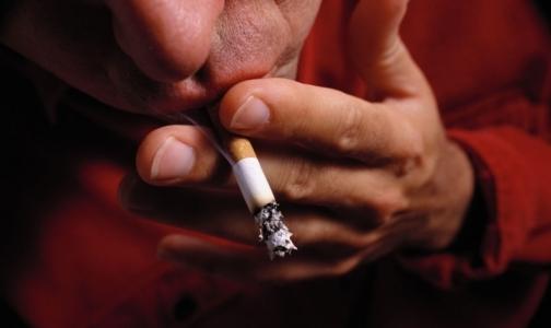 Путин пообещал запретить курение в общественных местах