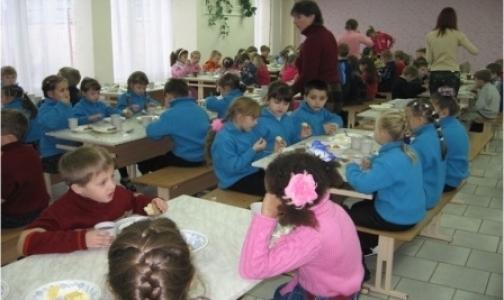 Чего добились петербургские родители, недовольные питанием своих детей в школах
