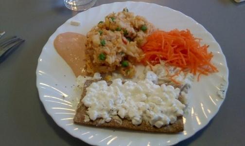Что едят на обед школьники разных стран