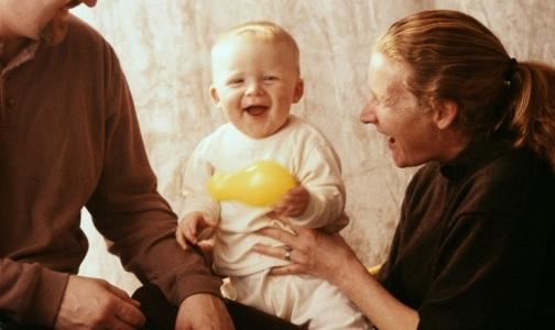 Путин распорядился увеличить рождаемость и продолжительность жизни к 2018 году