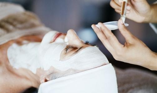Почему петербуржцы не получают бесплатные косметологические услуги в КВД