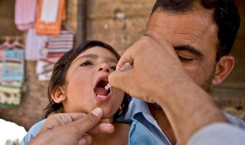 Полиомиелитом в мире болеют все меньше