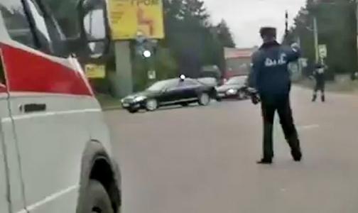 Блогеры обсуждают, как в Ленобласти из-за кортежа задержали «Скорую»