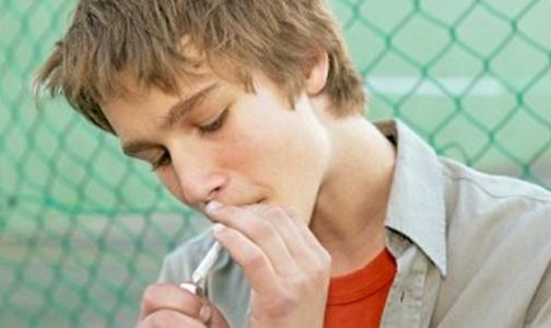 Россиян, бросающих курить, не поддерживают родные и друзья