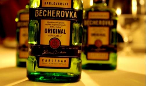 «Бехеровка» и «Абсент» могут оказаться под запретом