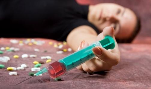 Наркоманов в Петербурге в три раза меньше, чем алкоголиков