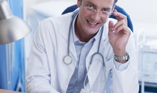 Врачи частных клиник просят разрешить им выходить на пенсию досрочно