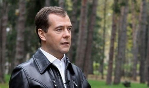 Дмитрий Медведев записал видеообращение с призывом бросать курить