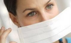 Онищенко считает, что маски от гриппа подчеркнут красоту женских глаз