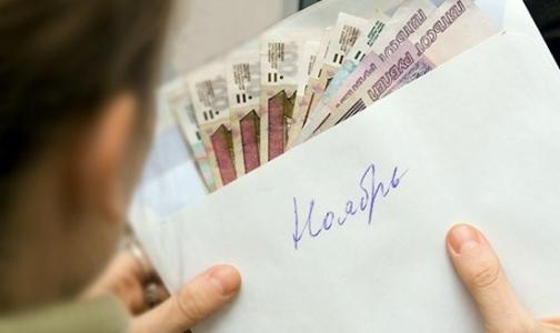 Людмила Косткина заявила, что врачи в Петербурге получают 33 тысячи рублей