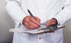 Госдума решит, в каких случаях врачам можно получать подарки от медпредставителей