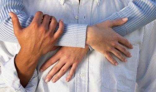 На женских руках нашли больше микробов, чем на мужских