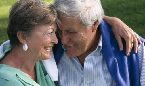 Ученые объяснили, почему женщины живут дольше мужчин