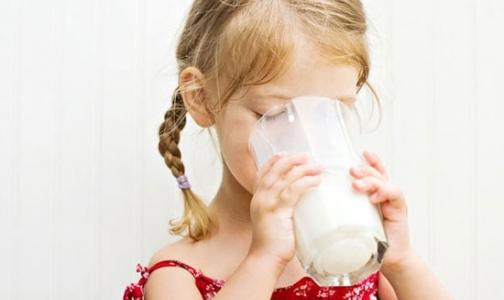 Молоко в автоматах: один ребенок в Петербурге умер, девятерым потребовался диализ