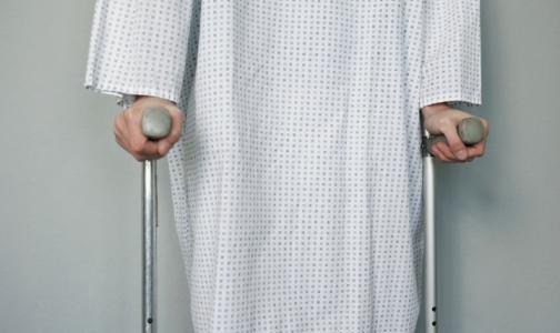 Петербургские инвалиды на время остались без ортопедической обуви
