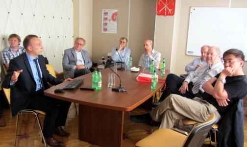 В Петербурге нобелевские лауреаты обсудят современное лечение рассеянного склероза