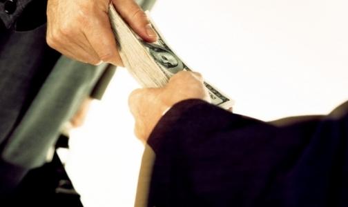 Прокуратура: В 97-й поликлинике сотрудникам выплачивали зарплату с нарушением сроков
