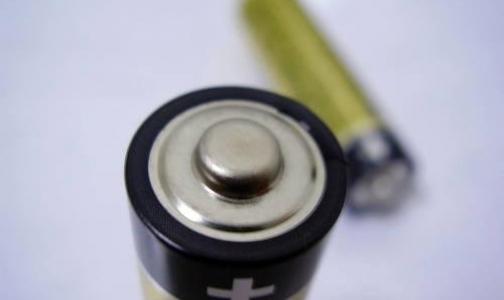 Российских врачей, лечивших ребенка с батарейкой в желудке от ангины, будут судить