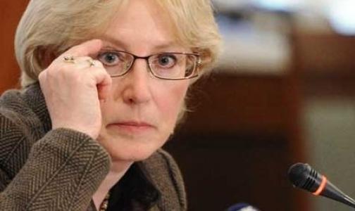 Сенаторы выяснят, зачем Минздрав завышает цены госконтрактов