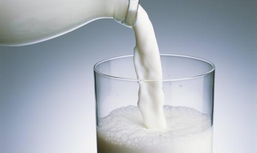 Через неделю Горсуд решит, законно ли в Петербурге продавали сырое молоко в автоматах
