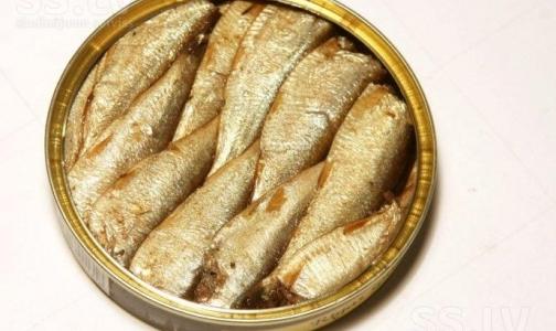 Больницы Петербурга обезопасили от латвийских рыбных консервов