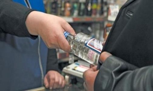 Ученые доказали связь водки с высокой смертностью мужчин в России