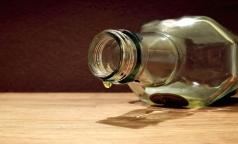 В этом году россияне выпьют 1 млрд литров суррогатного алкоголя