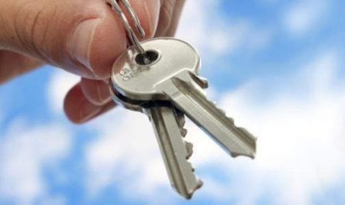 Трое петербуржцев с психическими заболеваниями получат квартиры в Красносельском районе