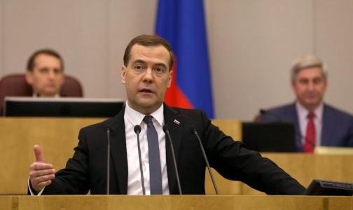 Медведев: Никаких серьезных проблем с финансированием федеральных клиник нет