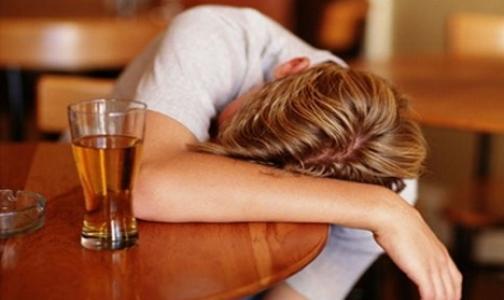 Россияне не считают алкоголизм настоящей болезнью