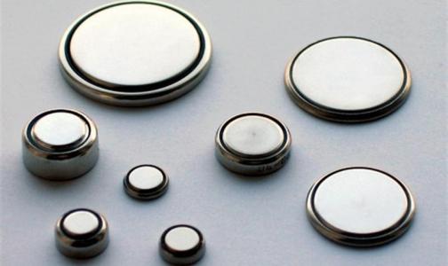 Роспотребнадзор предупреждает о смертельной опасности плоских батареек для детей