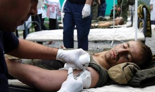 Курсанты ВМА учатся искать раненых на поле боя