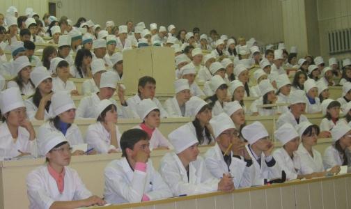 Петербургские медицинские вузы в 2014 году наберут «целевиков» и крымчан на бюджетные места