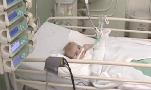 В Педиатрический университет из Славянска доставили тяжелобольного ребенка