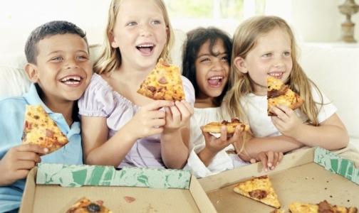 Общественная палата предложила отправлять к диетологу детей с лишним весом