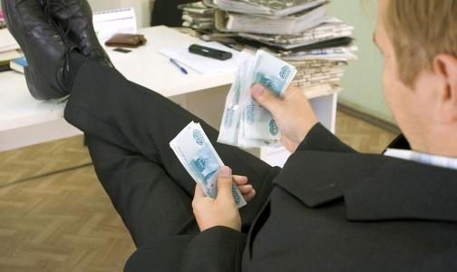 Смольный отчитался о выросших зарплатах врачей