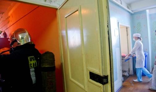 Пациенты «приносят» в больницы Петербурга гепатиты, сифилис, вшей и чесотку