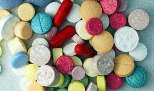 ФСКН хочет получить право самостоятельно запрещать новые наркотики