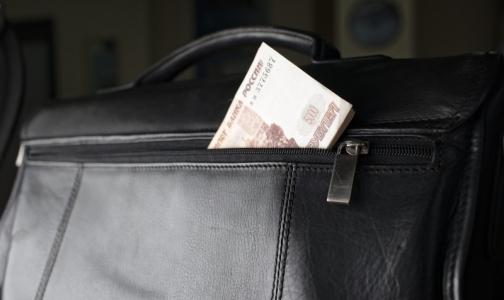 У российских врачей спросят об их реальных зарплатах