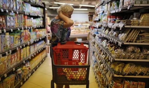 В Торговом доме «РеалЪ» прокуратура обнаружила продукты на полу и мух