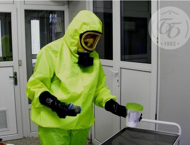 В Боткинской больнице появились капсулы и скафандры для приема пациентов с вирусом Эбола