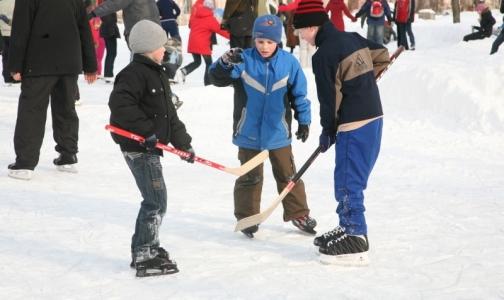 Роспотребнадзор рекомендует отправлять ребенка на зимние каникулы в проверенный лагерь