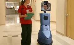 К пациентам петербургской больницы на осмотр приходит аватар врача