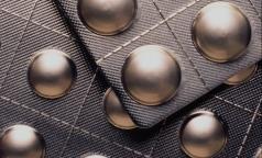 Как привезти незарегистрированное лекарство из-за рубежа и не нарушить закон